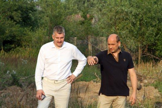 Первый шаг в очистке русла реки Чебоксарка сделан