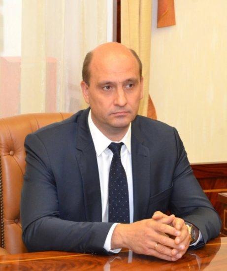 Глава Чувашии провел рабочую встречу с директором по производству ООО «Отделфинстрой»