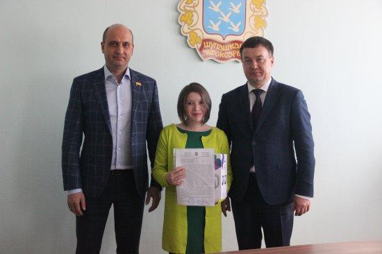 Алексей Мурыгин принял участие во вручении постановлений о предоставлении жилого помещения детям-сиротам