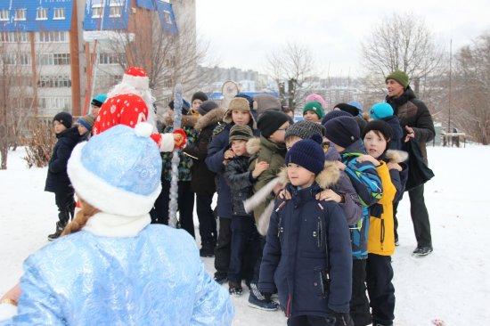 Алексей Мурыгин помог в организации новогодней «елки»